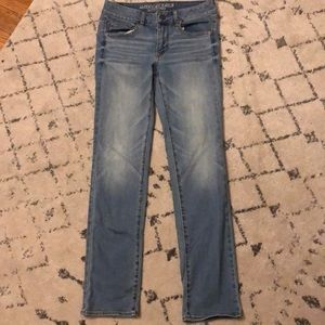 American eagle light wash straight jeans